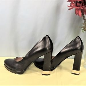 Black Patent Leather Shoes With High Clunky Heel